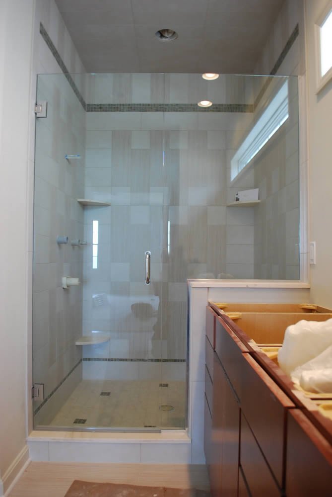 016 - Frameless Shower Door - Alpharetta, GA