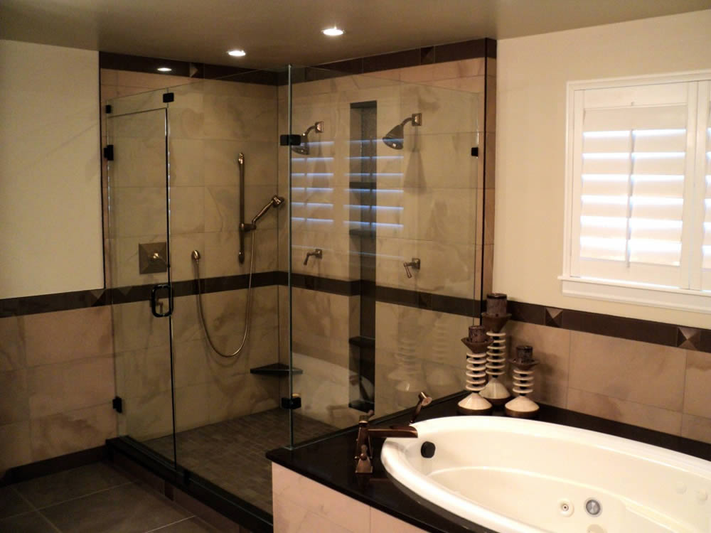 024 - Frameless Shower Door - Buckhead, GA