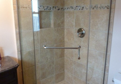Neo-Angle Atlanta corner shower doors