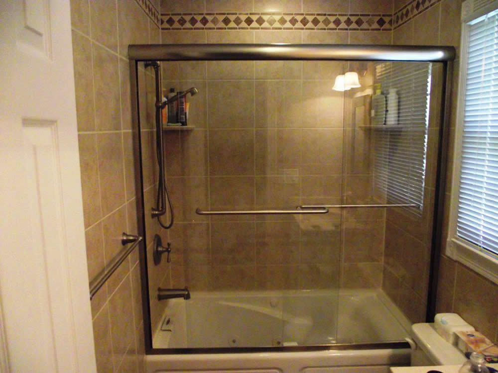 047 Semi-Framed Shower Door - Woodstock, GA