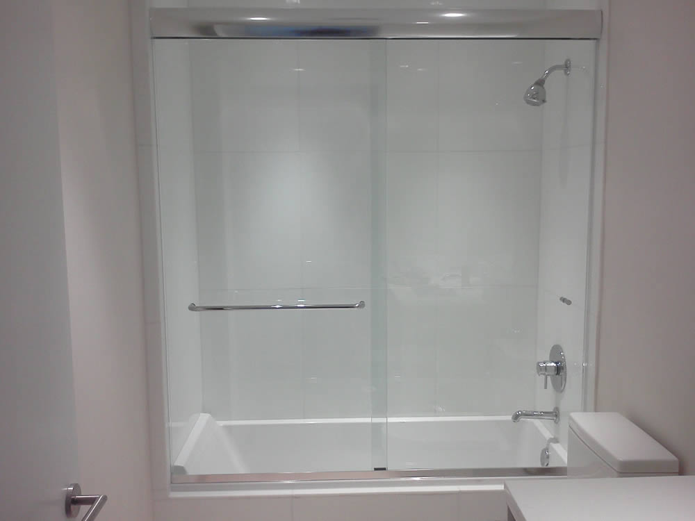 052 Semi-Framed Shower Door - Atlanta, GA
