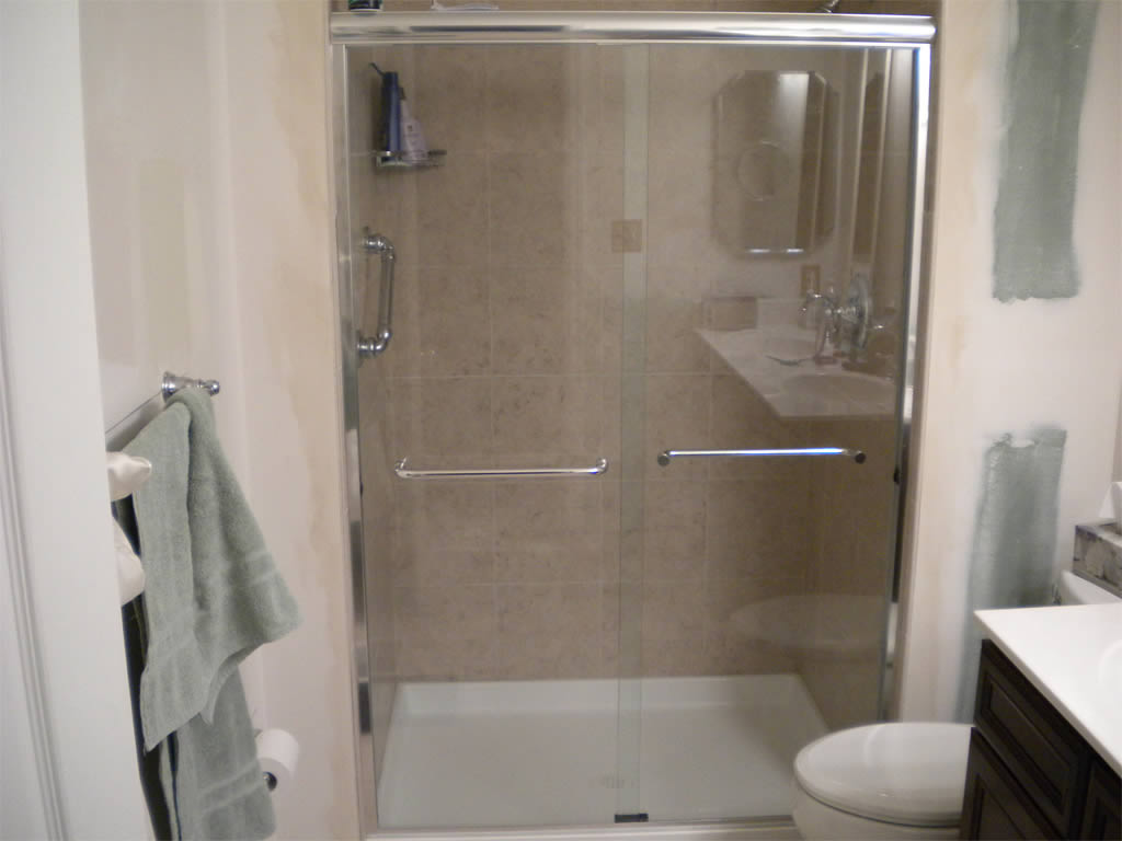 054 Semi-Framed Shower Door - Sandy Springs, GA