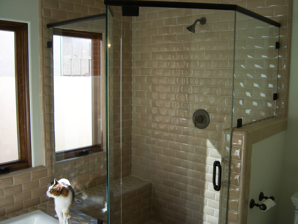 057 Semi-Framed Shower Door - Woodstock, GA
