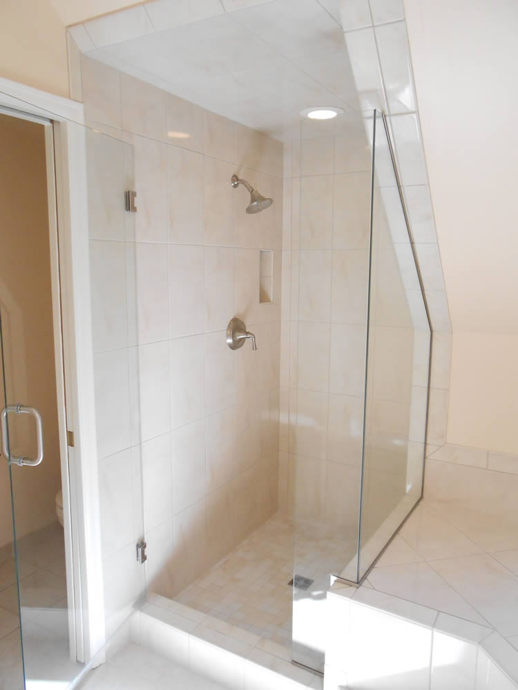 021 - Frameless Shower Door - Woodstock, GA
