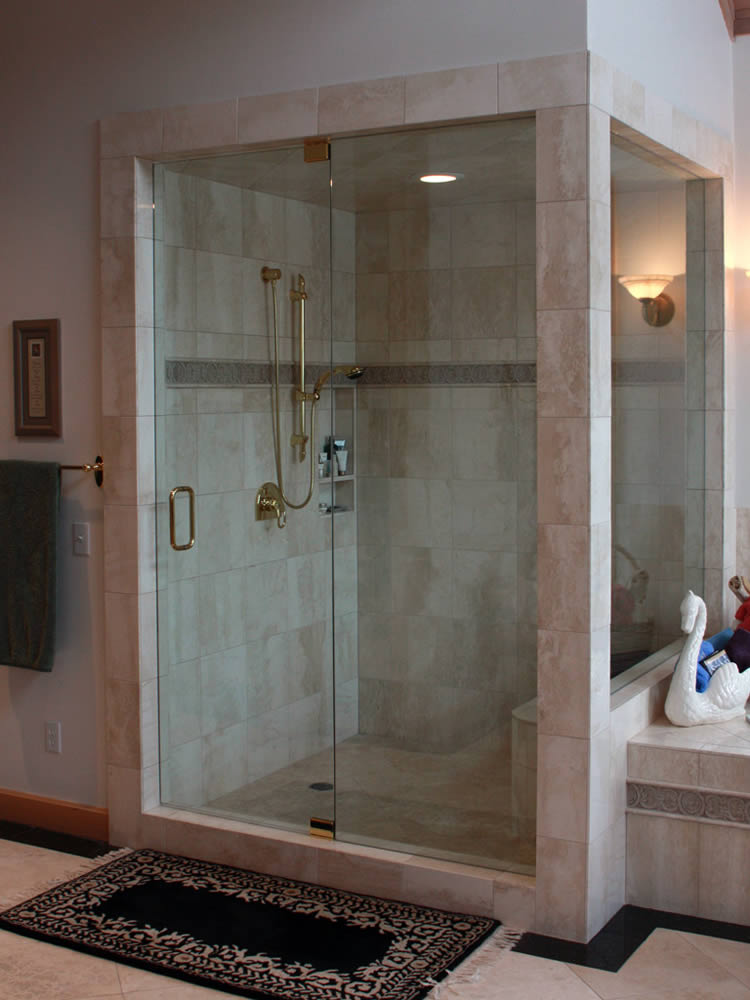 022 - Frameless Shower Door - Buckhead, GA
