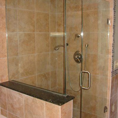 005 Frameless Glass Shower Enclosure
