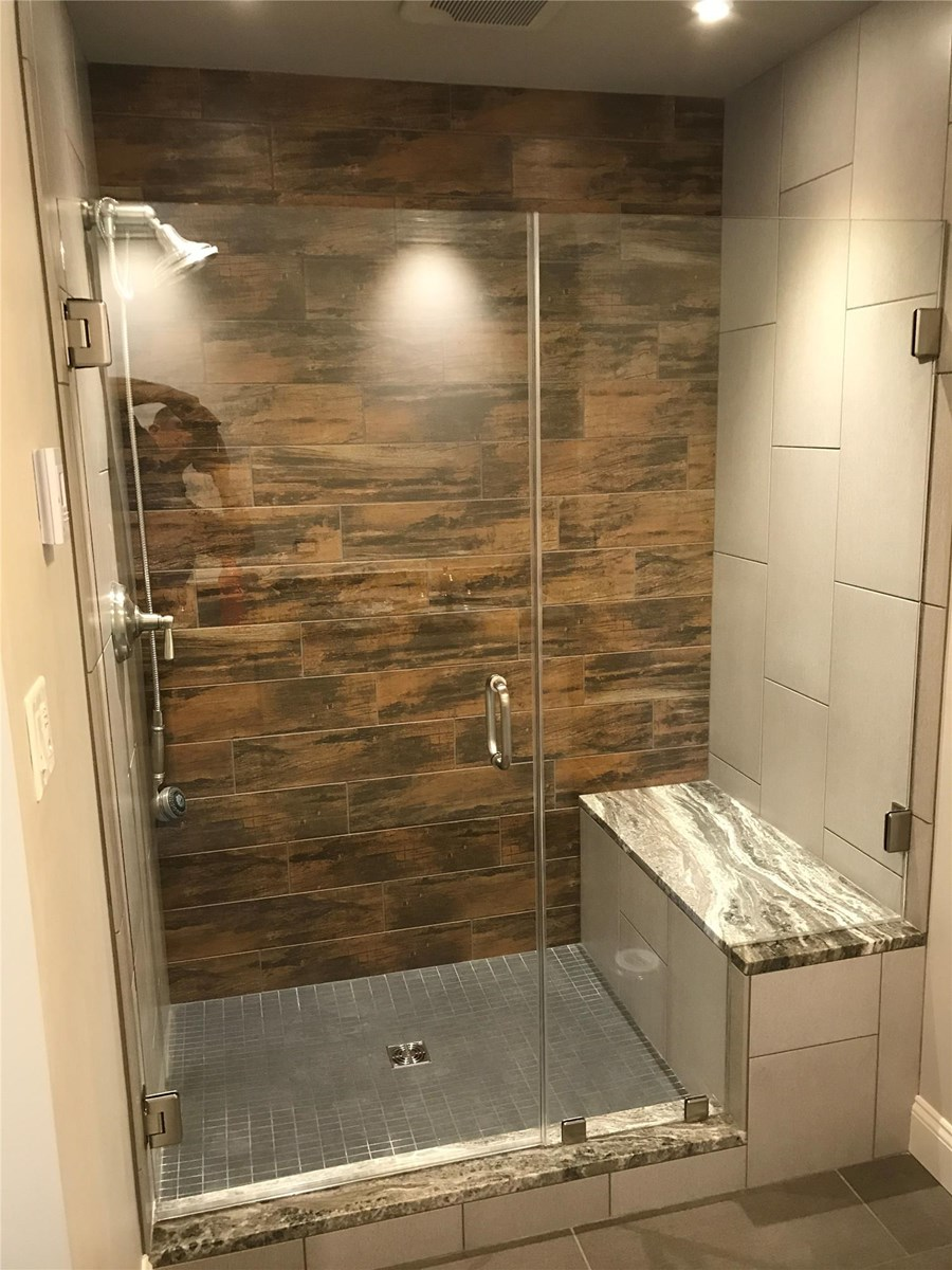 005 - Fulton County Frameless Shower Doors