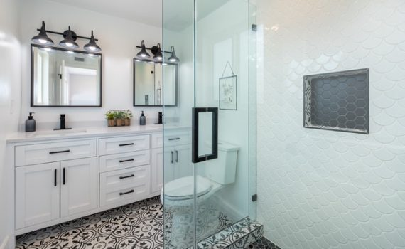 Atlanta bathroom with frameless shower doors